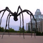Louise Bourgeois,Maman, presso the National Gallery of Canada.