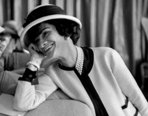 Coco Chanel, creatrice di stile e di eleganza femminile