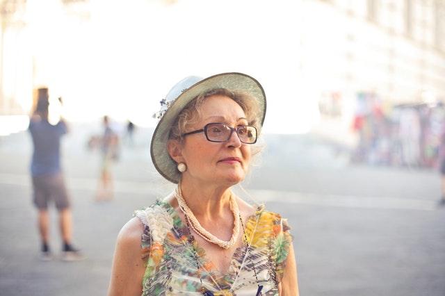 abuso contro le donne anziane