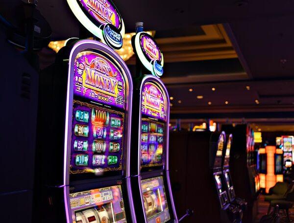 Il gioco d'azzardo, tra business e patologia